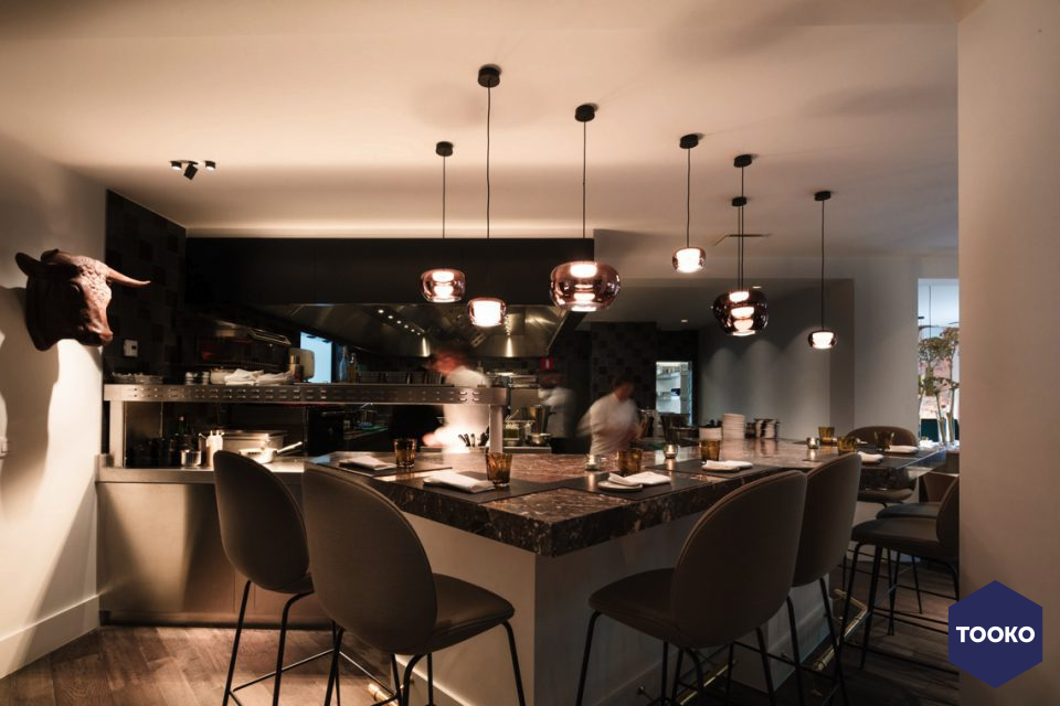 https://www.tooko.archi/wp-content/uploads/2018/05/devos-interieur-restaurant-brabohoeve-schilde03-960x640-960x640.jpg
