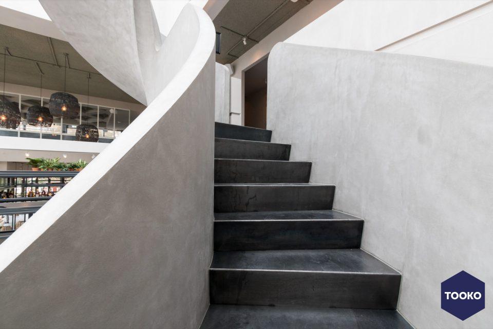 Van Bruchem Staircases - Wenteltrappen in beton-look George Marina