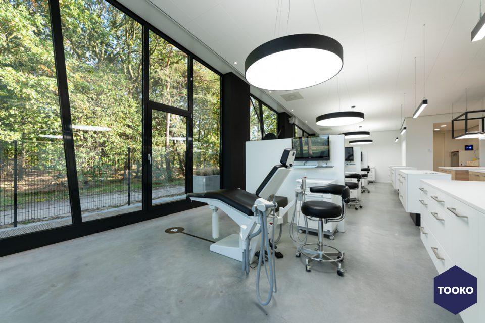 B-TOO - Orthodontistenpraktijk Dominicus Mattheeuws