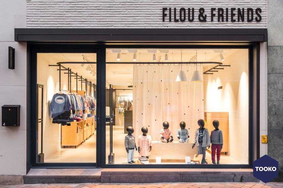 FIVE AM - Filou & Friends.