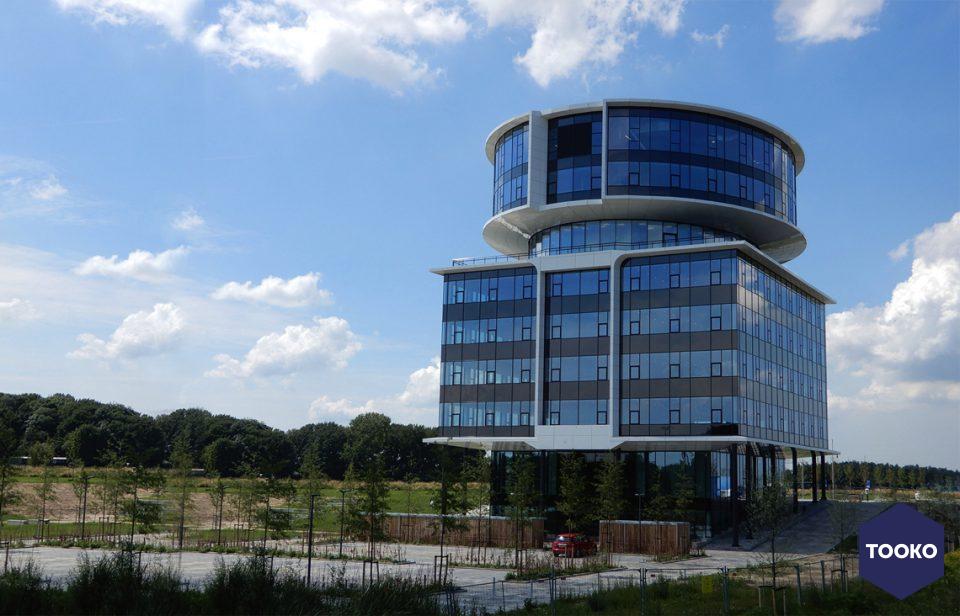 AGS ARCHITECTS - Hoofdkantoor Fokker Technologies Papendrecht